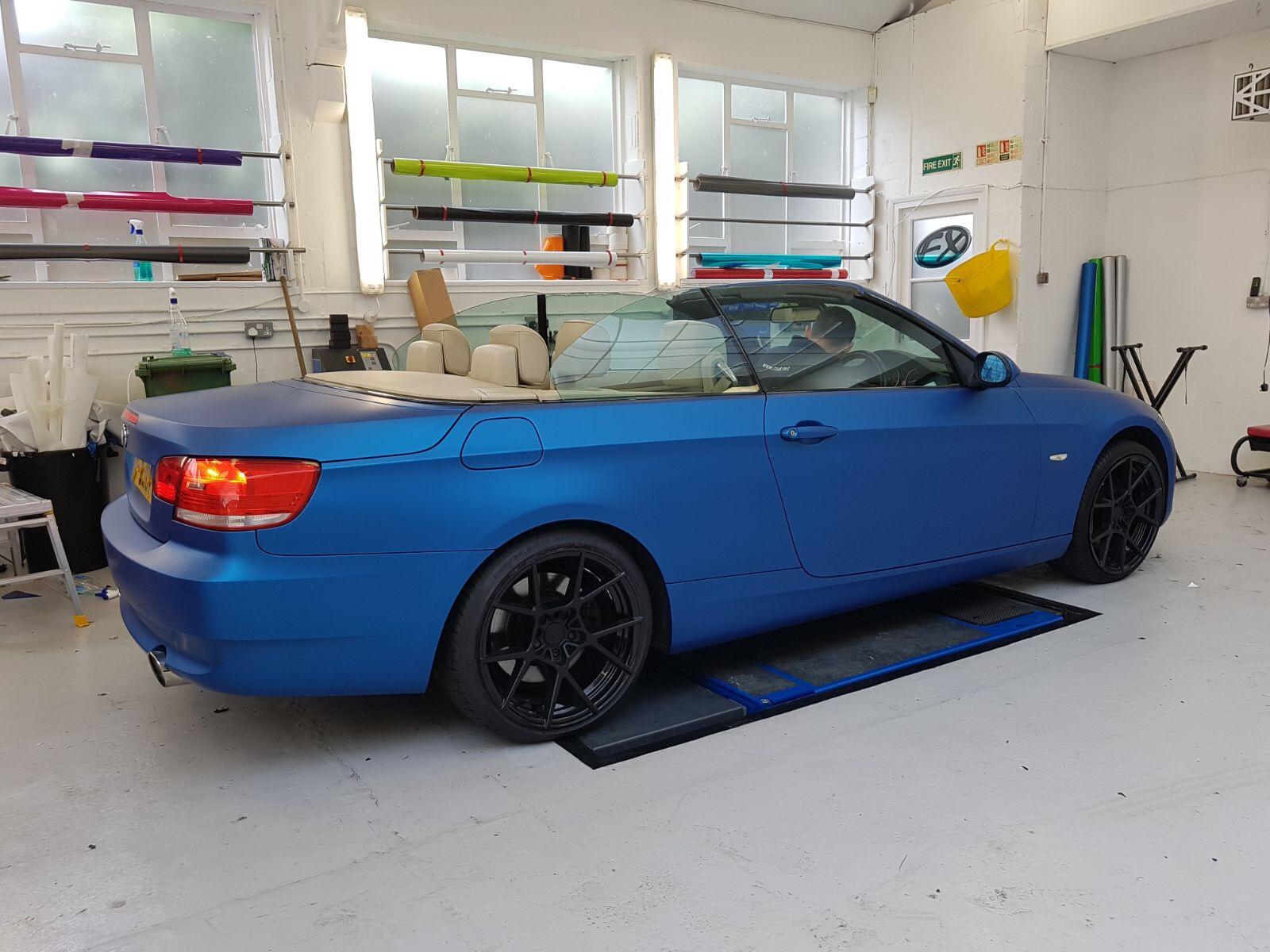 BMW SERIES Creative FX - Blue bmw 3 series