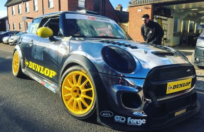 MINI CHALLENGE RACECAR