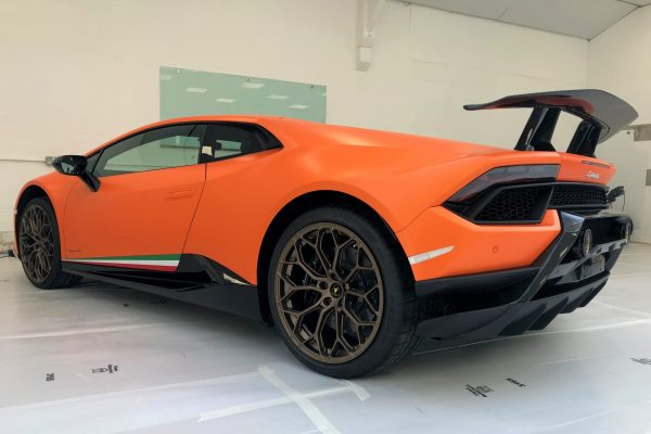 LAMBORGHINI HURACAN PERFORMANTE FULL PAINT PROTECTION FILM CREATIVE FX BROMLEY 1