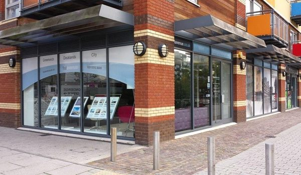 1st-avenue-window-sign-www.fxuk.net—2