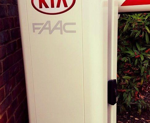 Kia-UK-creative-fx-sign-writing-company-based-in-bromley-2