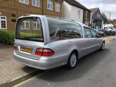 SILVER WRAP – MERCEDES-BENZ HEARSE