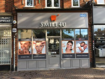 BACK-LIT FASCIA – SMILE4U